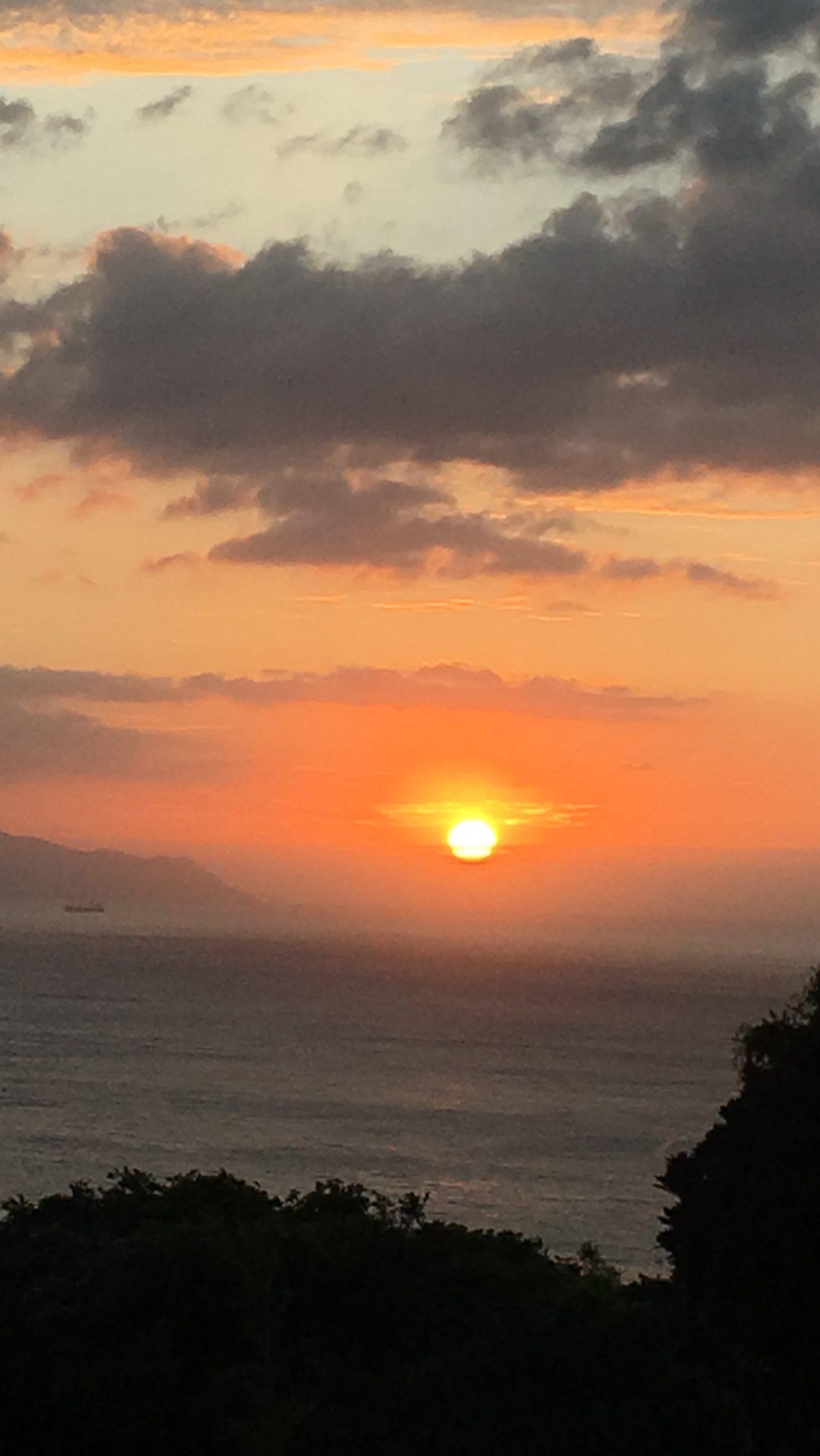 9/23(秋分の日)を境に岬も秋らしく涼しい風が心地良く吹いております。